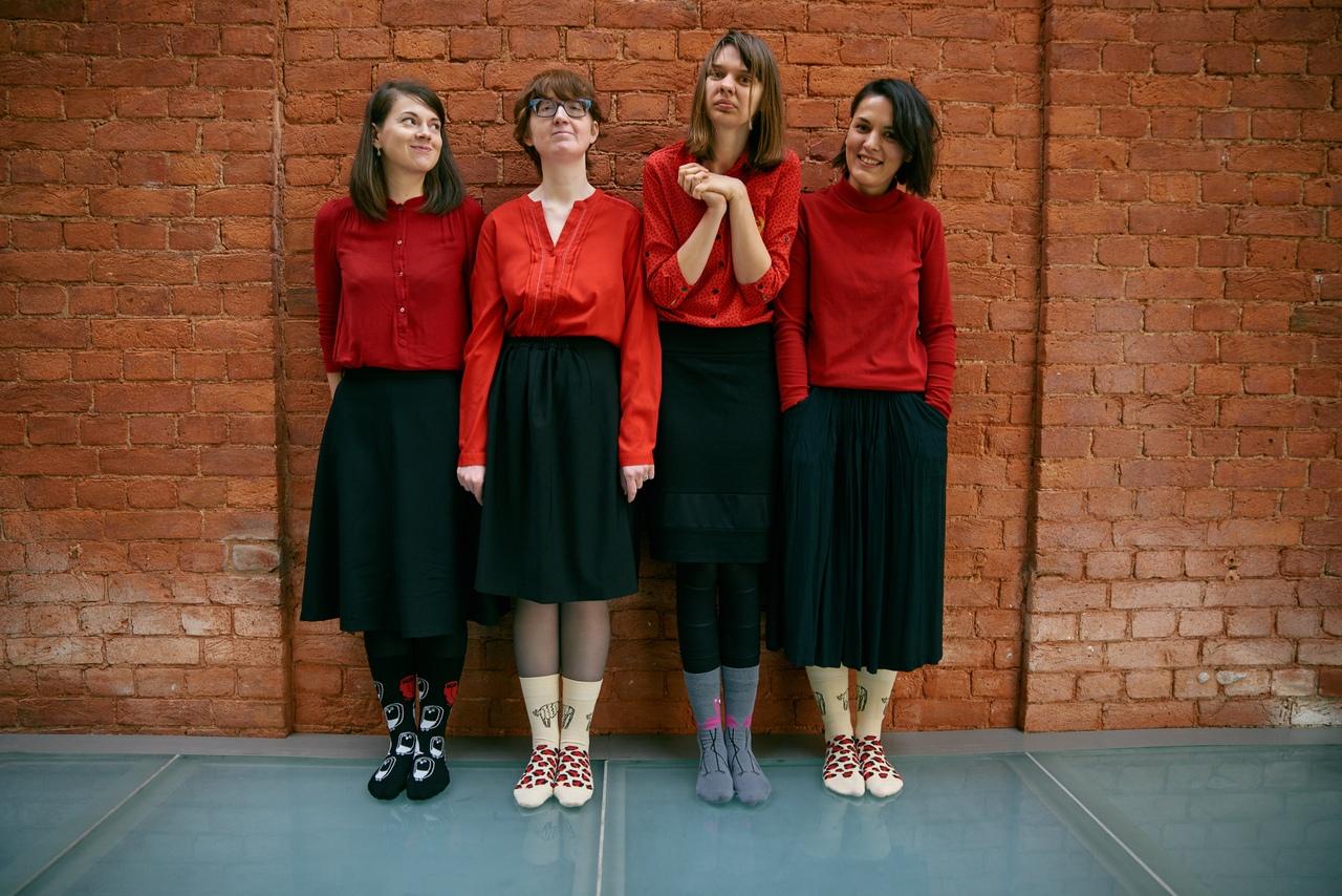 Света, Маша, Наташа и Юля в носках St. Friday Socks